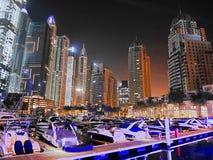 Noc drapacze chmur, wysocy domy, noc Dubaj Fotografia Royalty Free