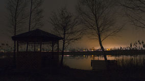 Noc na jeziorze obraz stock