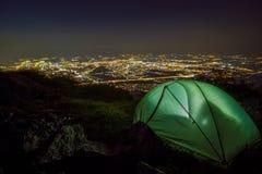 Noc nad miastem w Europa zdjęcia royalty free