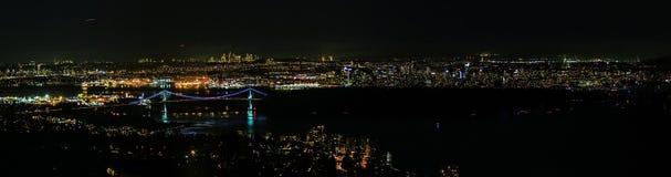 Noc odgórny sceniczny widok na wielkim Amerykańskim mieście zdjęcia royalty free