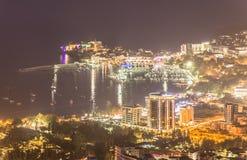 Noc panoramiczny widok Budva stary i nowy miasteczko na Adriatyckim morzu, Obrazy Royalty Free