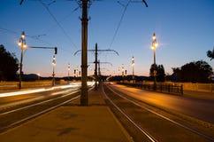 Noc pejzaż miejski w Budapest, ruch drogowy, światło, długi ujawnienie Zdjęcie Royalty Free