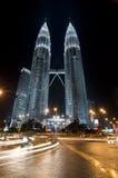noc Petronas góruje bliźniaka obrazy royalty free