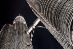 noc Petronas góruje bliźniaka obrazy stock
