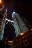noc Petronas wieże Zdjęcie Stock