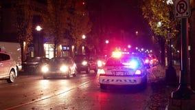 Noc plenerowy strzał czerwoni i błękitni przeciwawaryjni światła zdjęcie wideo