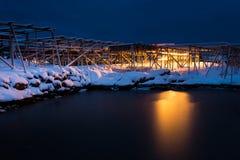 Noc - praca rybołówstwo pracownicy w Lofotens obrazy stock