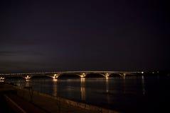 noc przerzucają most miasta ogieni noc Obrazy Stock