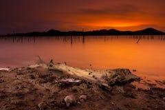 Noc przy jeziorem Obraz Royalty Free