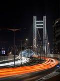 Noc ruch drogowy na Basarab moscie Bucharest Zdjęcie Stock