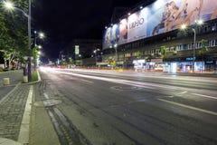Noc ruch drogowy w Bucharest, Rumunia Obrazy Royalty Free
