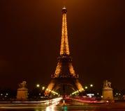 Noc ruch drogowy w Paryż Obrazy Stock