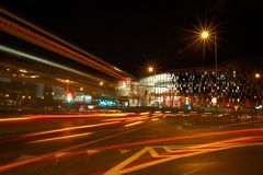 Noc ruch drogowy w ruchu Zdjęcia Stock