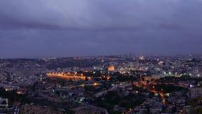 Noc spada nad Jerozolimskim miasta timelapse zdjęcie wideo