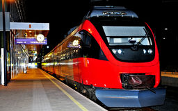noc stacja kolejowa Obrazy Royalty Free
