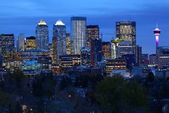 Noc widok Calgary, Kanada centrum miasta fotografia stock