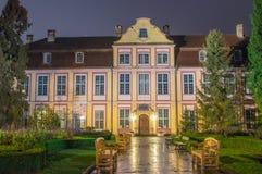 Noc widok dla opata ` pałac w Gdańskim Oliwie w Polska Obrazy Stock