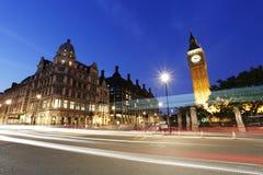 Noc widok Londyński parlamentu kwadrat, Big Ben teraźniejszość Zdjęcia Royalty Free