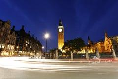 Noc widok Londyński parlamentu kwadrat, Big Ben teraźniejszość Obrazy Royalty Free