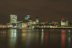 Noc widok Londyn pejzaż miejski Fotografia Stock