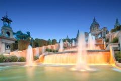 Noc widok Magiczna fontanna w Barcelona fotografia royalty free