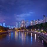 Noc widok mieszkanie państwowe w Hong Kong Fotografia Stock