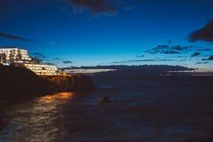 Noc widok na linii brzegowej i oceanie Obraz Royalty Free