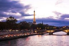 Noc widok na wieży eifla Obrazy Royalty Free