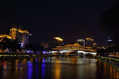 Noc widok piękny Anshun most nad Jinjiang rzeka, Chengdu, Sichuan, Chiny Zdjęcia Stock