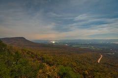 Noc widok Shenandoah dolina od Massanutten Storybook śladu przegapia w George Washington lesie państwowym, Luray, zdjęcie royalty free
