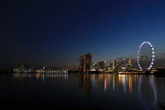 Noc widok Singapur Marina zatoki podpisu linia horyzontu Obrazy Stock