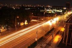 Noc widok Sofia Bułgaria bulwaru krajobrazu Drogowy pejzaż miejski Blokuje fotografię fotografia royalty free