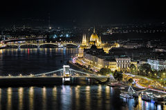 Noc widok Węgierski parlamentu budynek w Budapest Zdjęcie Royalty Free