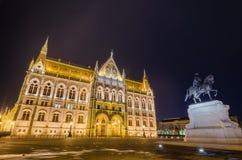 Noc widok Węgierski parlamentu budynek w Budapest, Węgry Zdjęcie Royalty Free