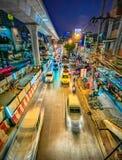 Noc widok w ruchu Bangkok metropolia fotografia stock