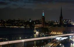 Noc widoki stary grodzki Gamla Stan Sztokholm, Szwecja Obrazy Stock