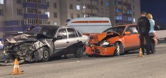 Noc wypadek samochodowy fotografia stock