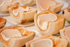 Noce di cocco con il gelato Fotografia Stock Libera da Diritti