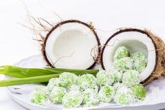 Noce di cocco con la squisitezza del malay fotografia stock