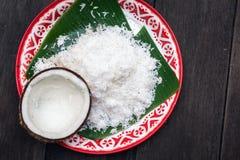 Noce di cocco fresca per l'ingrediente di alimento tailandese fotografia stock libera da diritti