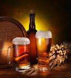 Noch Leben mit einem Faß Bier Lizenzfreies Stockfoto