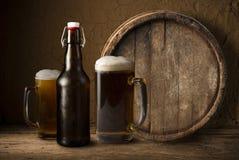 Noch Leben mit einem Faß Bier Lizenzfreie Stockfotos