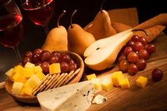 Noch Leben mit Käse Stockfoto