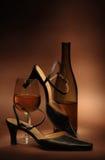 Noch Leben mit Schuhen der Frauen lizenzfreie stockfotografie