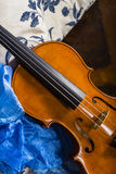 Noch Leben mit Violine Stockbild