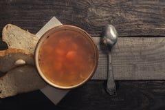 Noch Leben 1 Suppe und Brot lizenzfreies stockfoto