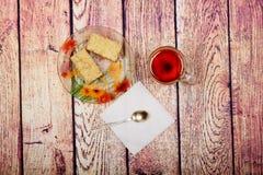 Noch lebens- ` königliches Käsekuchen ` Stockbilder