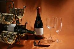 Noch-Lebensdauer auf einem Weinthema Stockbild