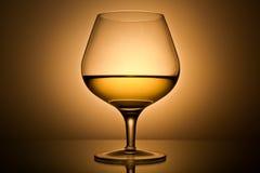 Noch-Lebensdauer mit dem Goldweinglas Lizenzfreies Stockbild