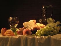Noch-Lebensdauer mit Weinstock Lizenzfreie Stockbilder